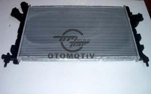 Opel Corsa C 1,3 Su Radyatörü